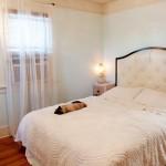 """Kê giường ngủ đúng Phong thủy để """"tiền vào như nước"""""""