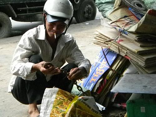 Giấc mơ đổi đời từ thu mua phế liệu