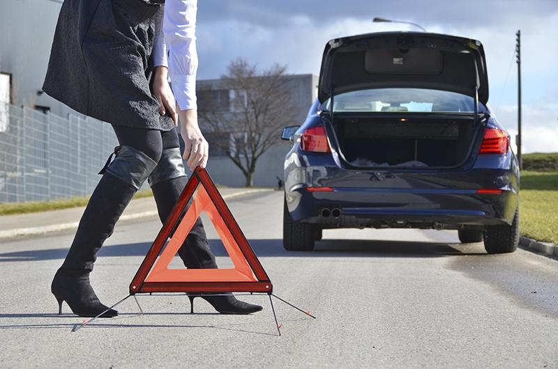 Khi Ô tô đột ngột chết máy giữa đường, cách xử lý như thế nào?