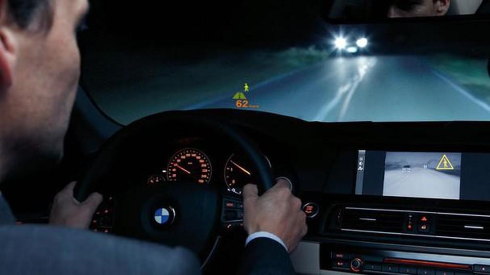 """Mẹo hay giúp tài xế lái xe ban đêm không bị """"chói mắt"""""""